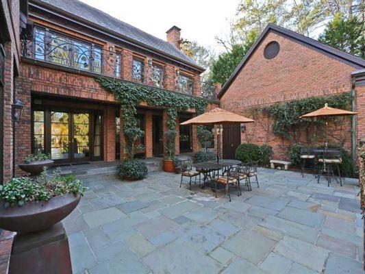CUSTOM HOME IN PREMIER NEIGHBORHOOD Georgia Luxury Homes Mansions