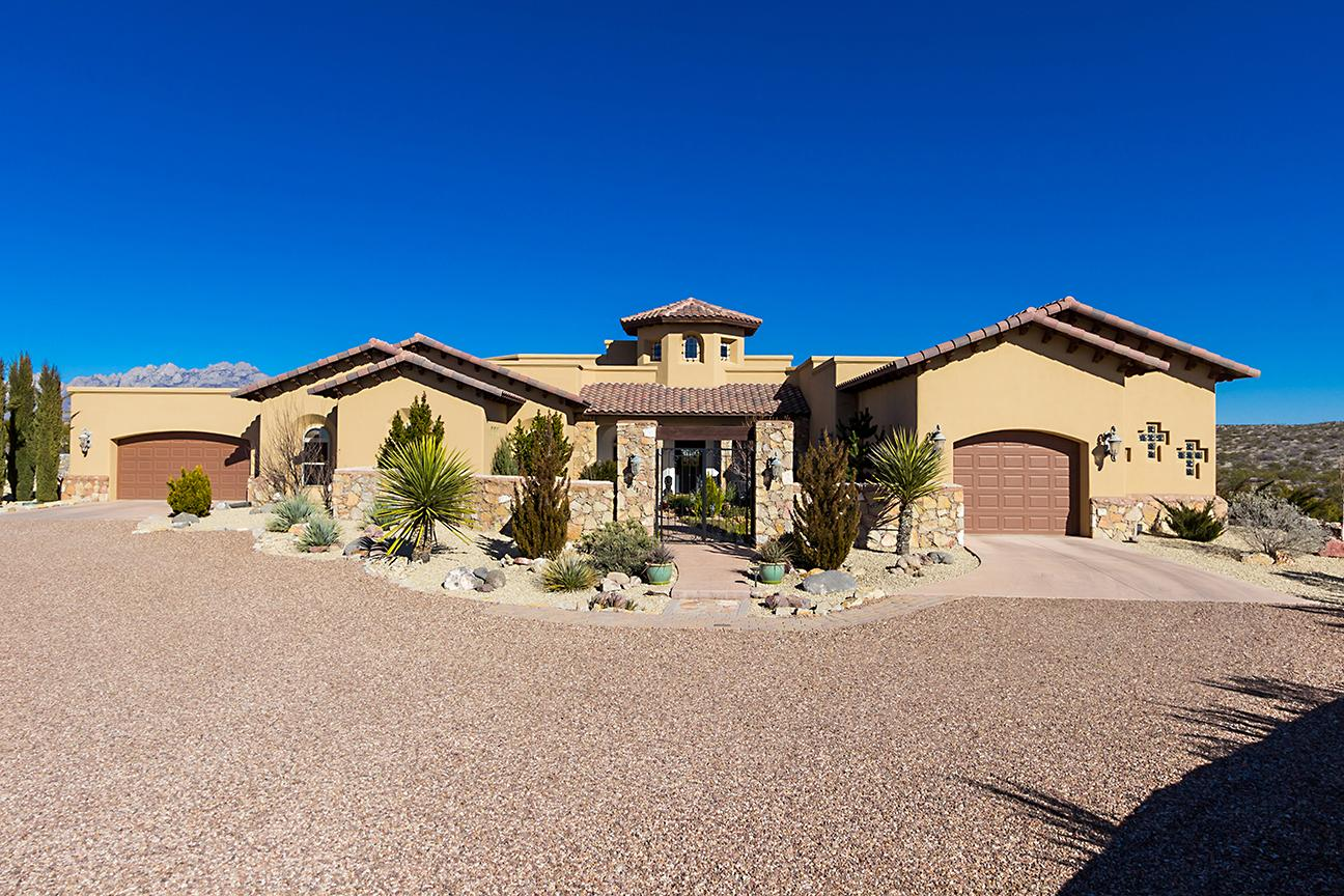 Endless mountain views in las cruces new mexico luxury for Home builders in las cruces