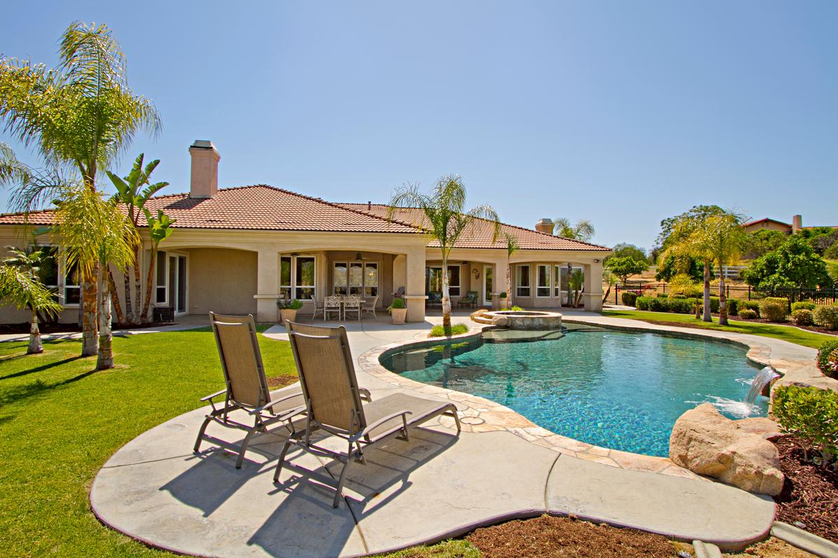 tuscany style home in temecula