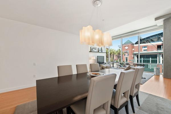 Sophisticated city retreat california luxury homes for 14 wall street 23rd floor