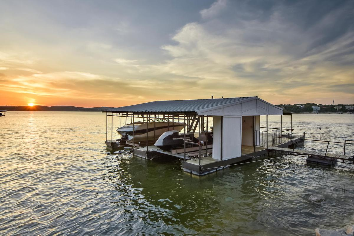 mid-century modern on lake travis | texas luxury homes | mansions
