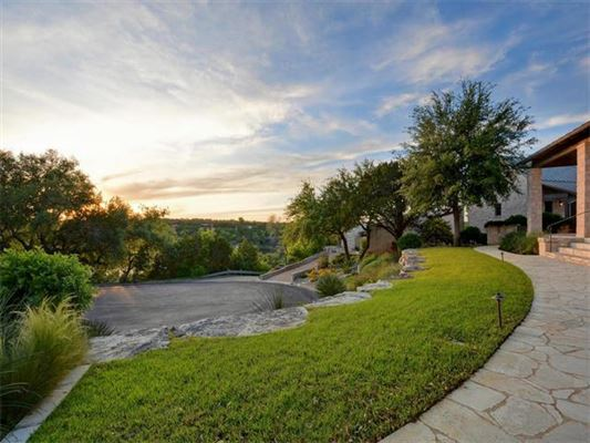 Truly singular texas hill country estate texas luxury for Texas hill country houses for sale