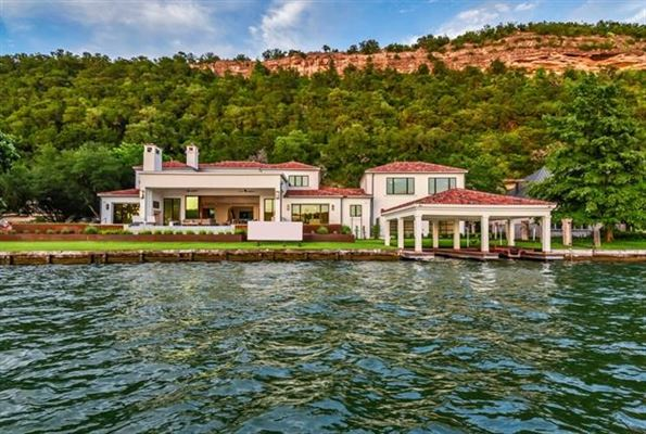 DREAMWORTHY ESTATE ON LAKE AUSTIN | Texas Luxury Homes | Mansions For Sale  | Luxury Portfolio