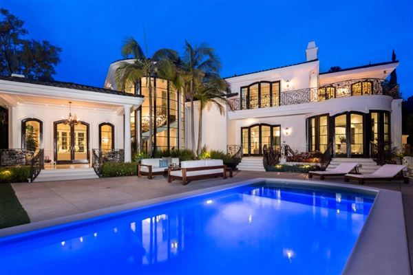 remarkable seclusion in beverly hills