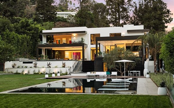 un paralled home in beverly hills. beautiful ideas. Home Design Ideas