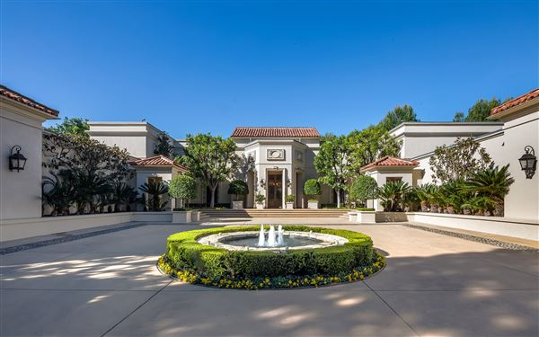A Beverly Hills Mountaintop Estate California Luxury