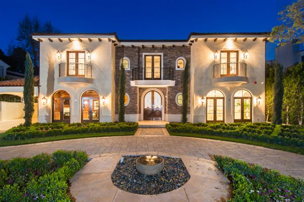 Beverly Hills, CA, USA US $14,950,000