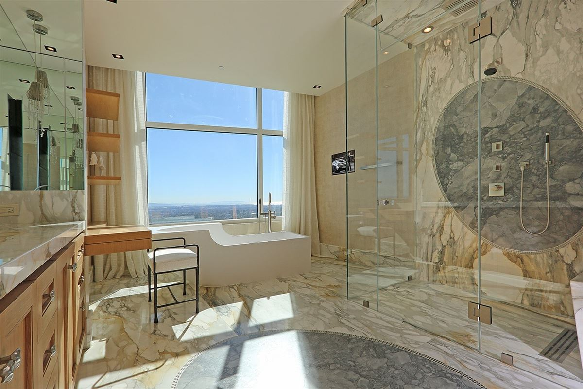 Penthouses for rent in los angeles photo of riverglen for Luxury houses for rent in los angeles