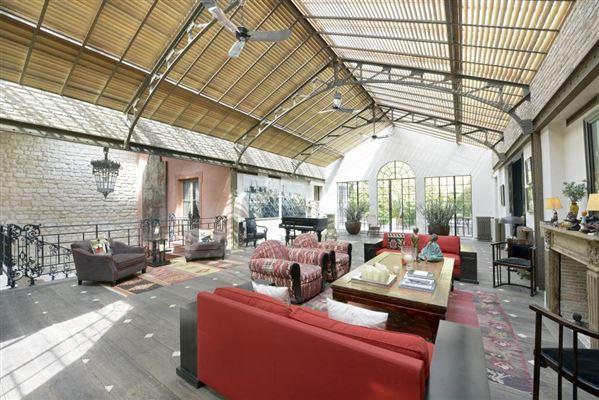 Loft style homes gallery for Transformer un conteneur en habitation