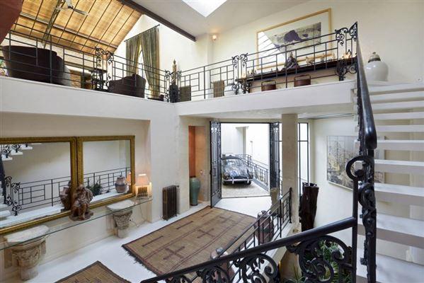 magnificent loft style house france luxury homes. Black Bedroom Furniture Sets. Home Design Ideas