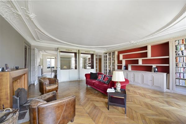 Luxury Homes Peaceful Third Floor Apartment