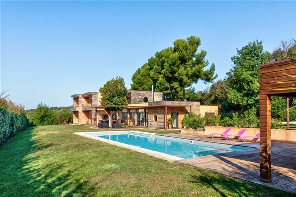SUPERB CONTEMPORARY HOME IN PEACEFUL SETTING | France Luxury Homes |  Mansions For Sale | Luxury Portfolio