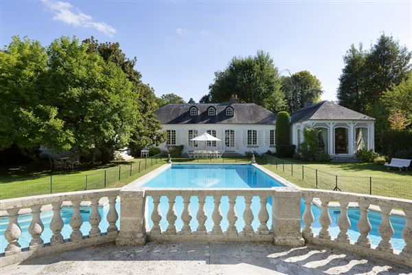 AN ELEGANT PROPERTY IN MARNES LA COQUETTE | France Luxury Homes | Mansions  For Sale | Luxury Portfolio