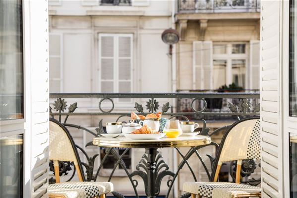 A PERFECT PIED A TERRE IN PARIS | France Luxury Homes | Mansions For ...