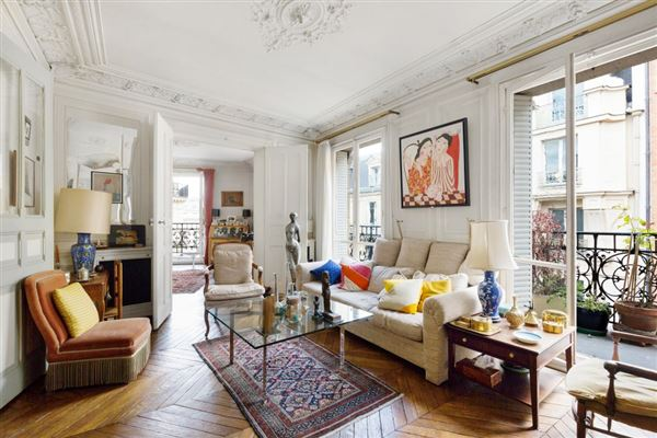 PERFECT PIED-À-TERRE IN PARIS 8TH   France Luxury Homes   Mansions ...