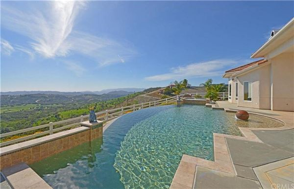 hilltop mediterranean estate in temecula