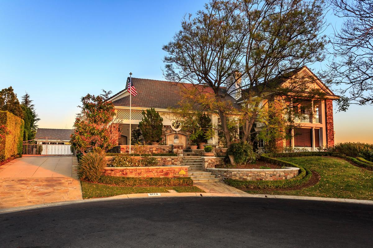Villa Park Luxury Homes and Villa Park Luxury Real Estate | Property ...