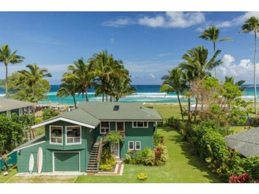 Two beachfront homes in the heart of hanalei bay hawaii for Hawaii luxury homes for sale