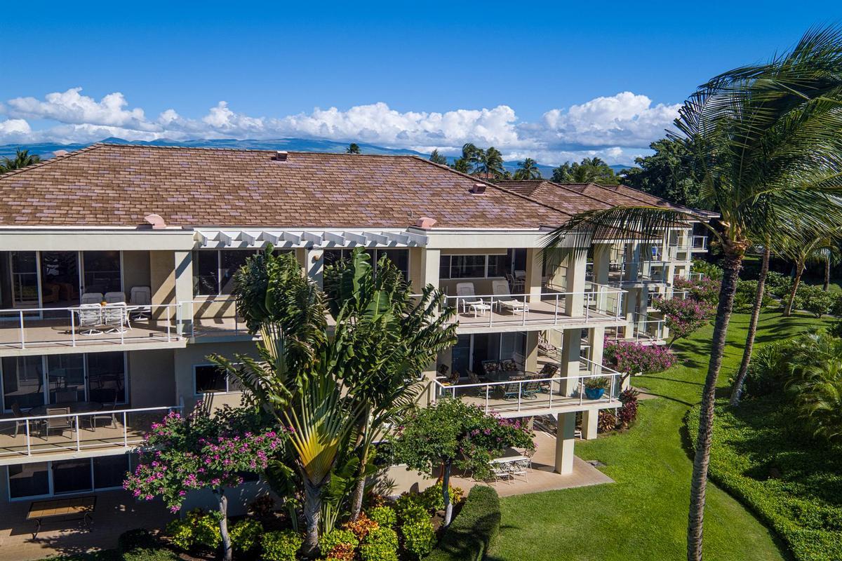 Luxurious top floor penthouse suite hawaii luxury homes for Hawaii luxury homes for sale