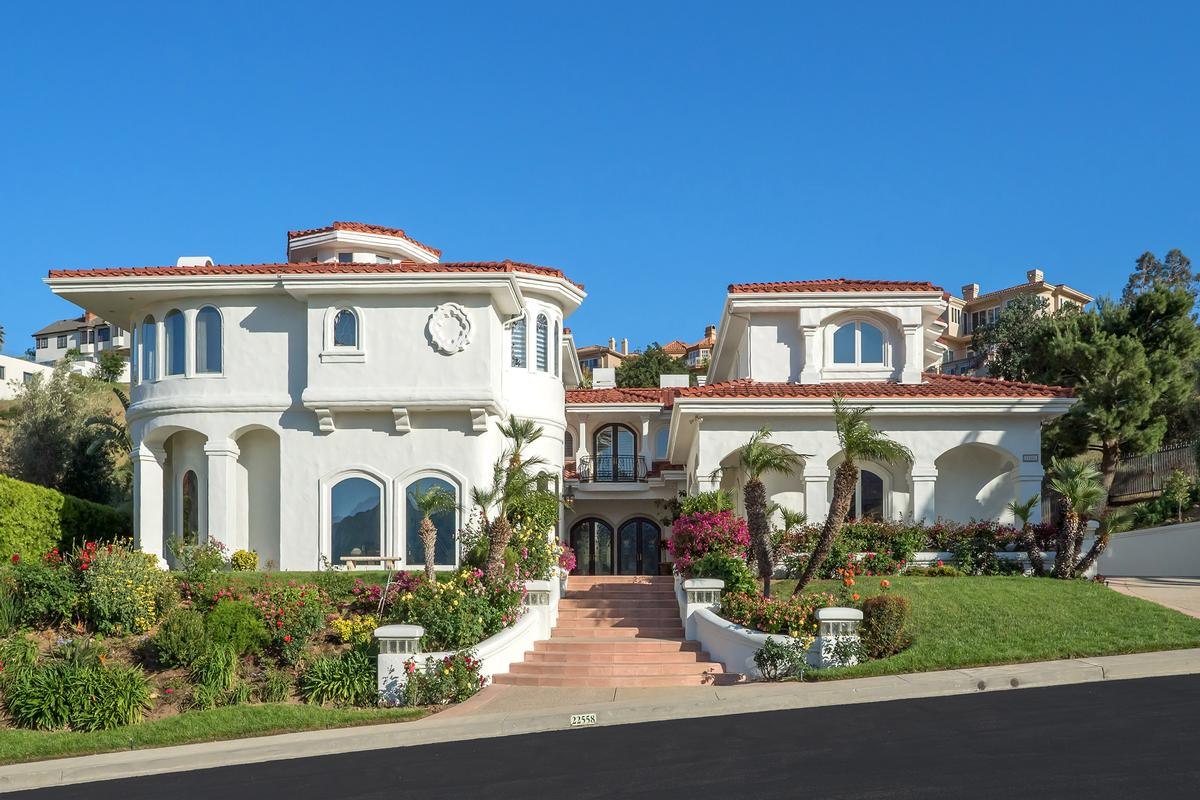 CUSTOM MEDITERRANEAN STYLE ESTATE | California Luxury Homes | Mansions For  Sale | Luxury Portfolio