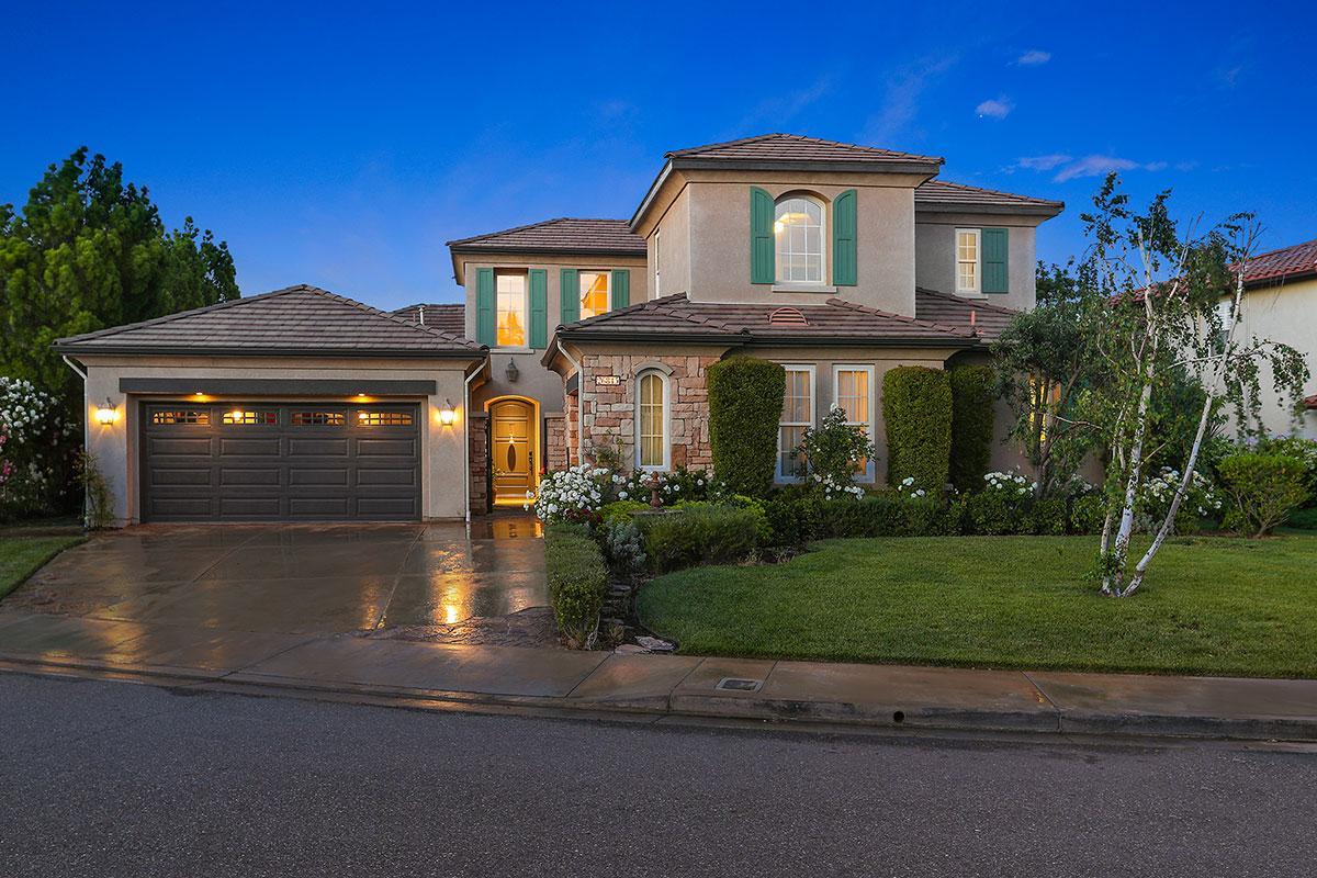 Executive home in suburban los angeles california luxury for Luxury homes for sale in los angeles california
