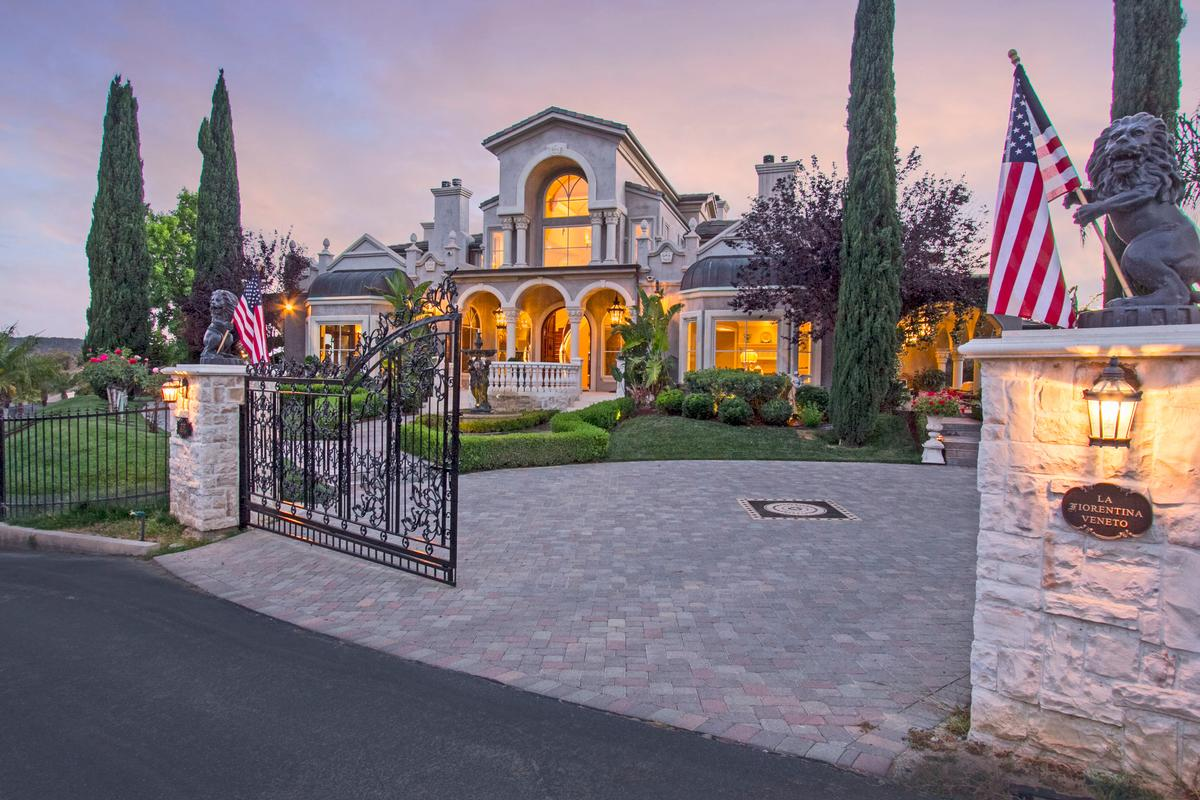 calabasas luxury homes and calabasas luxury real estate property