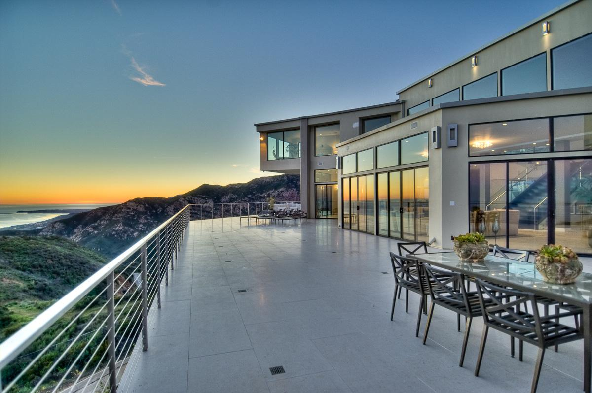 Beach home in malibu colony california luxury homes for Luxury beach homes for sale in california