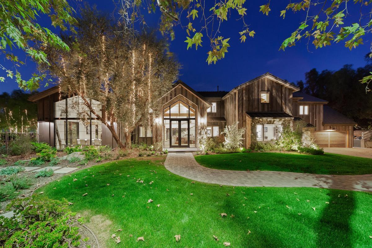 Hidden Hills Modern Farmhouse In California California Luxury