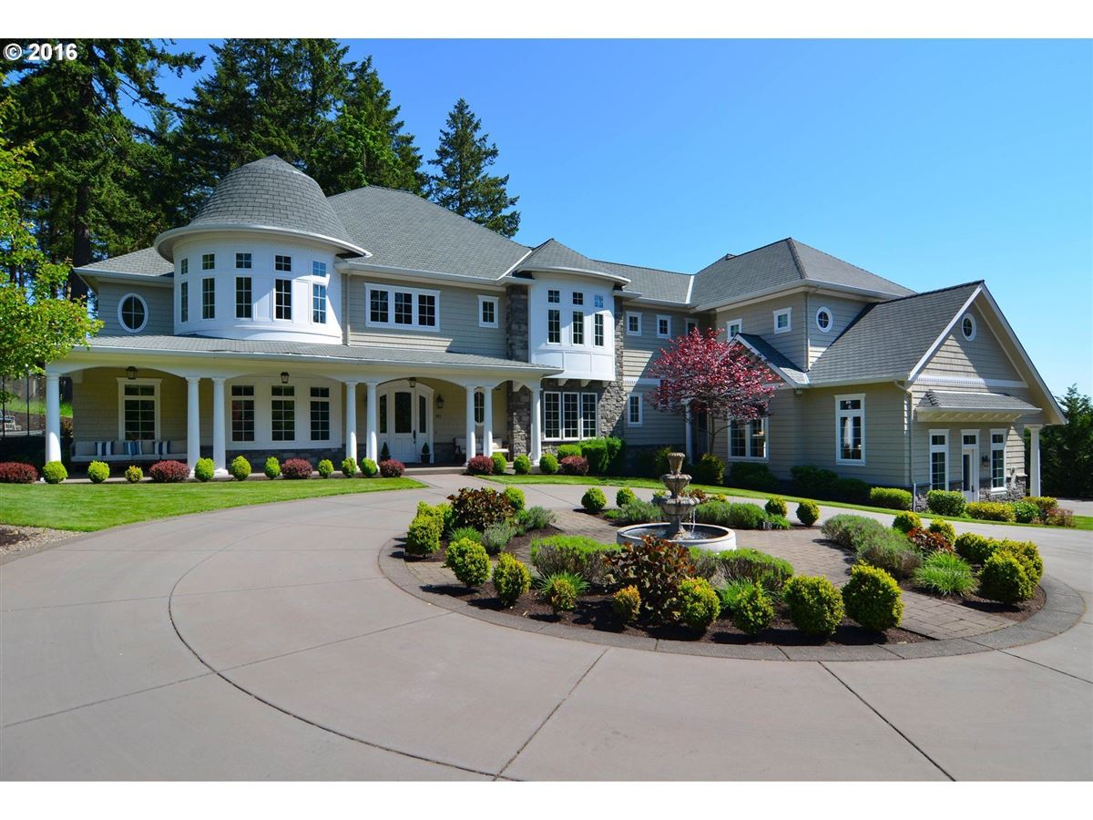 Luxury Home Amenities great blend of classic style and modern amenities | oregon luxury