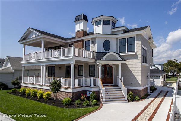 SPECTACULAR NEW CONSTRUCTION ON OVERSIZED LOT | New Jersey Luxury Homes |  Mansions For Sale | Luxury Portfolio