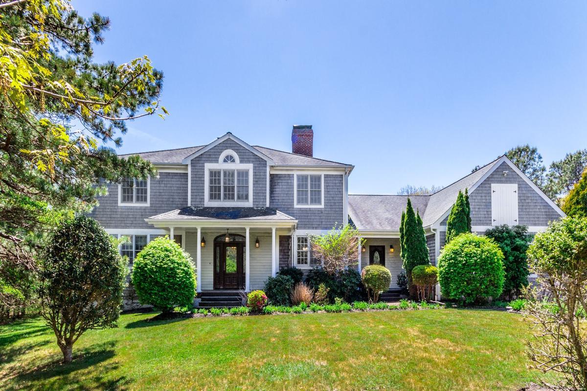 DEEP BOTTOM POND | Massachusetts Luxury Homes | Mansions For Sale ...