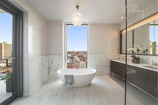 Dramatic New York Luxury Home At One Vandam New York
