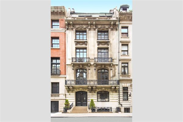 Elegant historic townhouse in new york new york luxury for Nyc mansions for sale