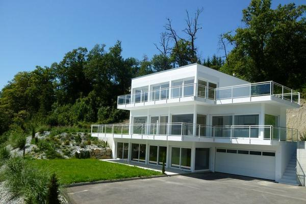 Modern house in the heart of valais switzerland luxury for Swiss homes