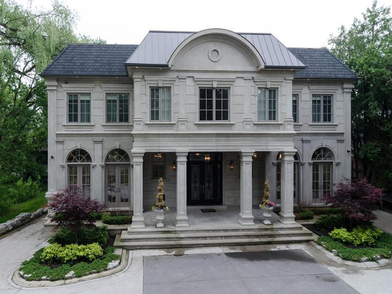 Elegant and sophisticated luxury residence ontario for Elegant luxury homes