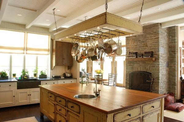 Custom Craftsmanship - Old World Details luxury properties