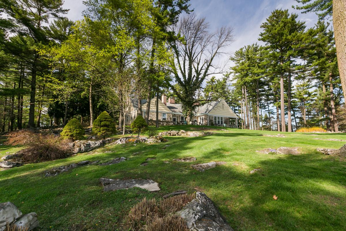 Large Compound in the Berkshires with Vineyard luxury homes