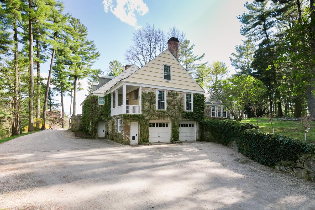 Luxury homes in Large Compound in the Berkshires with Vineyard