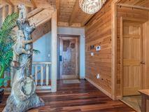 Luxury homes in Beautiful white cedar log home in union mills