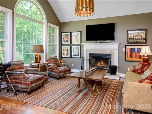 Flynn Branch Farm luxury homes