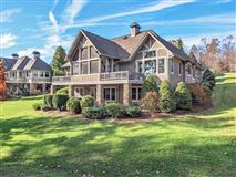 Luxury real estate stylish lakefront living in Biltmore Lake