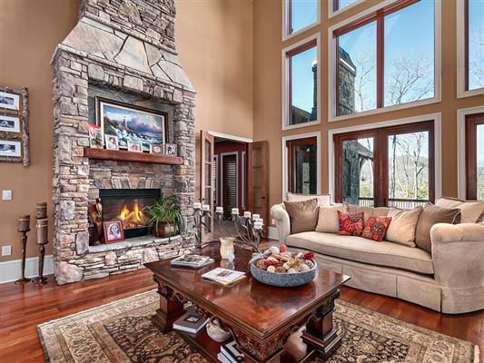 magnificent 30 acre mountain estate luxury homes