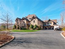 Mansions in magnificent 30 acre mountain estate