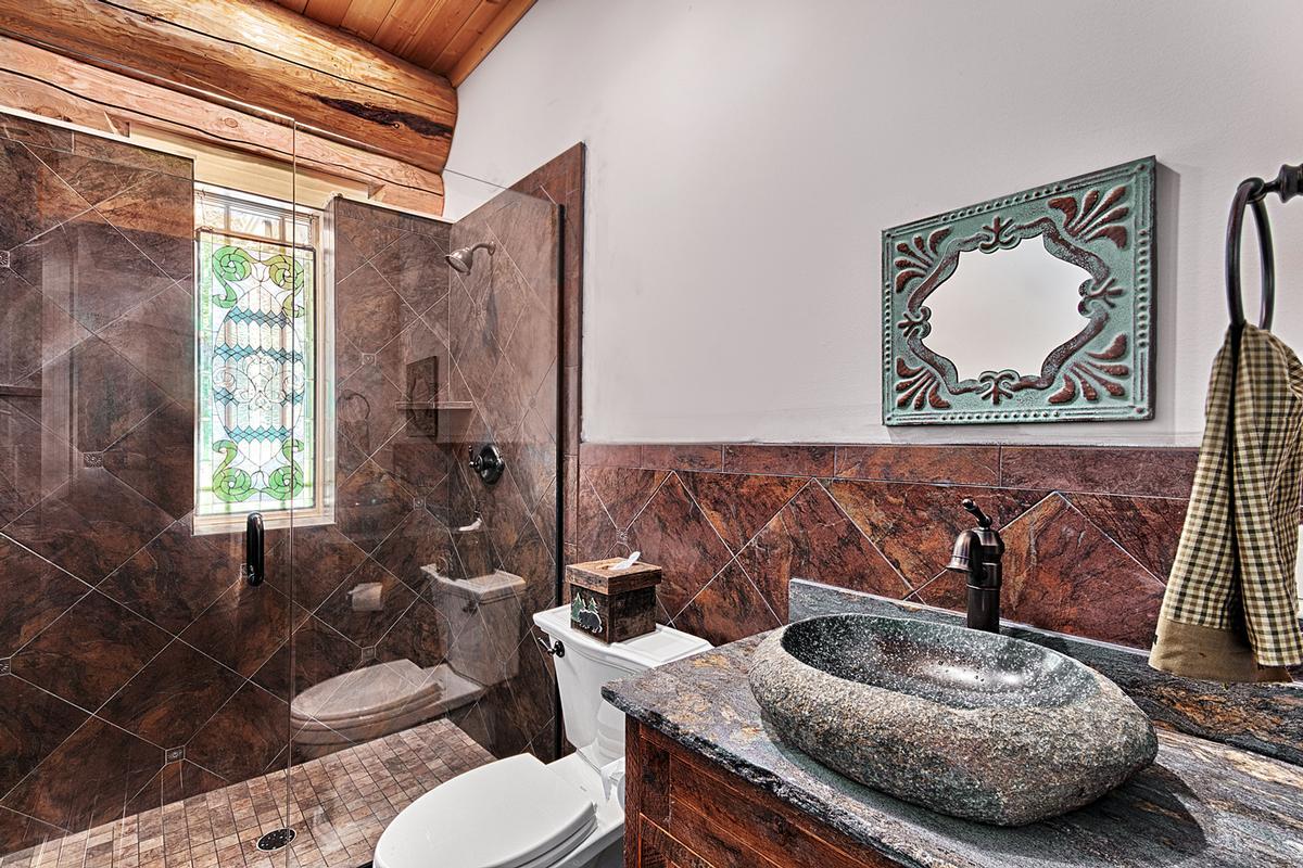 Luxury homes 1310 Winding Creek