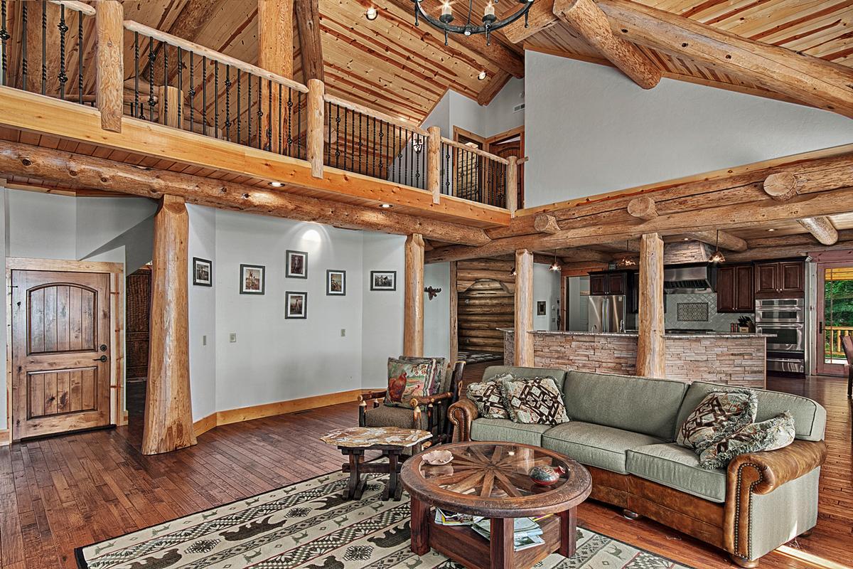 Luxury real estate 1310 Winding Creek