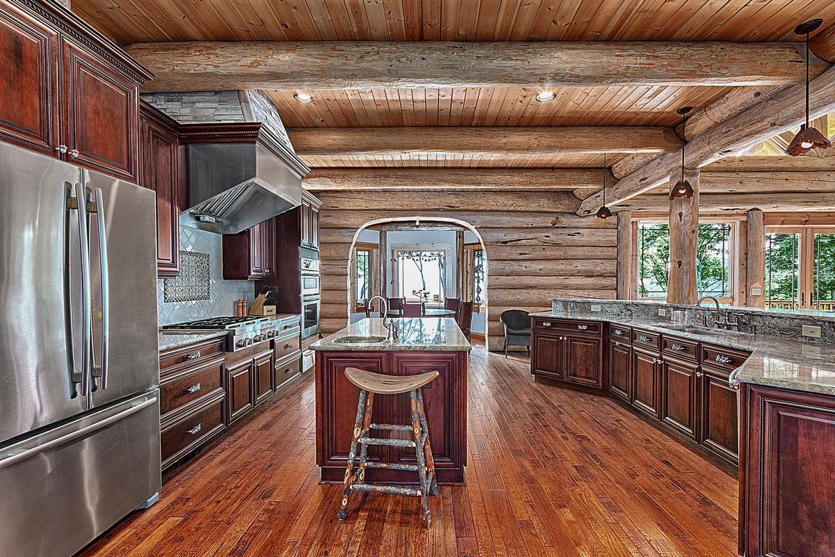 Luxury properties 1310 Winding Creek