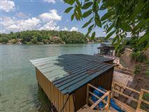 exclusive Yacht Island property luxury real estate