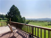 Mansions in beautiful property in weaverville