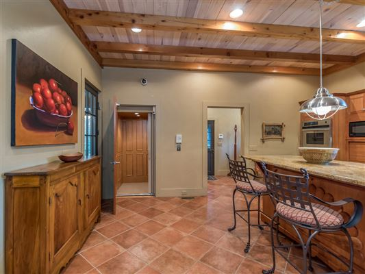 Luxury real estate privacy on 95-plus pastoral acres
