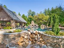 Luxury homes in impressive home in asheville